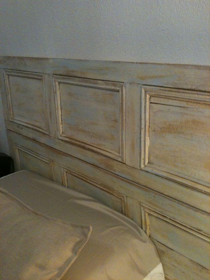 Respaldo de cama hecho con dos persianas antiguas for Cama para dos