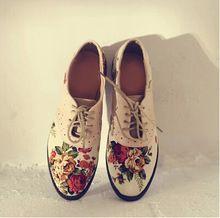 Nuevos 2014 zapatos de moda británica Estilo Oxford para las mujeres de Europa y América del estilo retro de la flor de impresión de empalme Oxford Zapatos Mujer(China (Mainland))