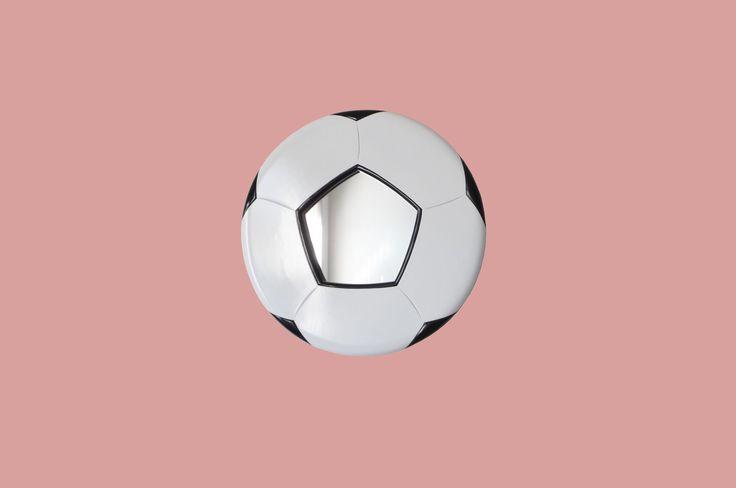 Football soccer mirror..!