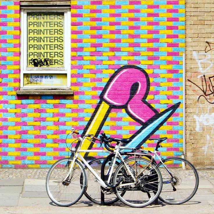 United kigdom bicycle by La Ciudad Al Instante © #laciudadalinstante #london #londres #uk #unitedkingdom #europe #fachada #facade #color #photography #streetstyle #streetview #streetart #londoncity #instagram #instagrammers #communityfirst #igers #ig_europe #ig_great_pics #ig_worldclub