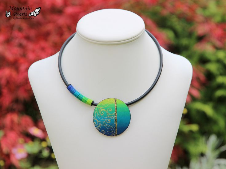 https://flic.kr/p/ZKDcpG | Polymer clay silk screen necklace by Mountain Pearls | www.etsy.com/shop/MountainPearls?ref=hdr_shop_menu www.facebook.com/mountain.pearls/