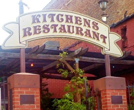 Excellent breakfast awaits you at Kitchen's Restaurant in Mineola, Texas!