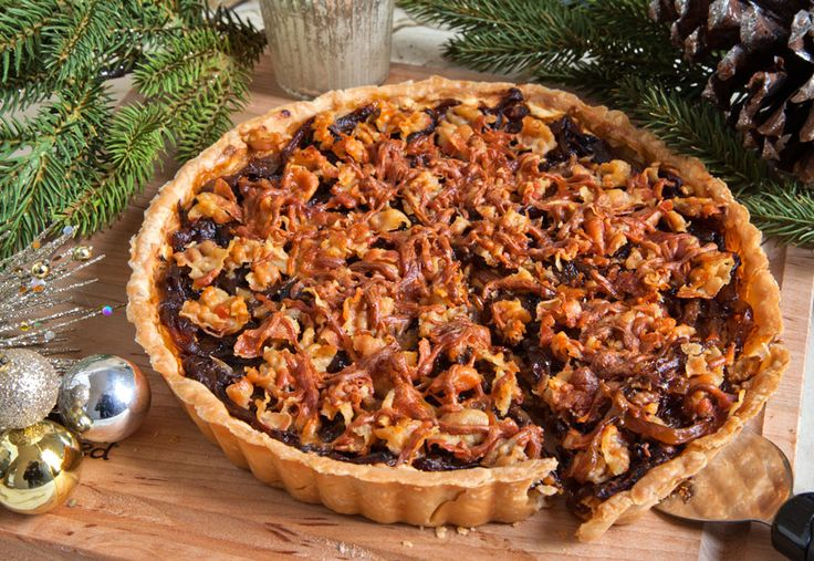 Caramelized Onion, Gruyere and Pancetta Tart | via @artfulgourmet