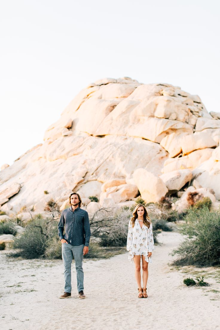 Joshua Tree Engagement Session | Jenna Bechtholt Photography http://www.jennabechtholt.com/josha-tree-engagement-photos-zach-jordan/