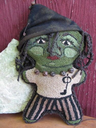 Primitive-Folk-Art-Witch-Doll-Wynndelle-needle-punch-Original-primitivebettys