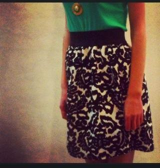 Teapot ✦ Black n white skirt