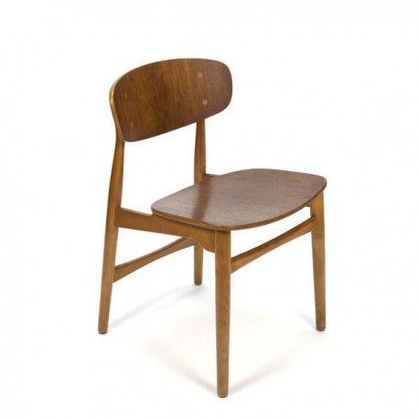 Deense vintage design stoel, waarschijnlijk een ontwerp van Ib kofod Larsen, uit de zestiger jaren. Prachtige stoel met mooie houtverbinding en ruime zit. De...