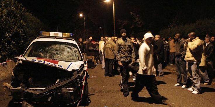 BREIZATAO - NEVEZINTIOU (15/07/2017) Un policier motard de la Compagnie de Sécurisation et d'Intervention du 93 (CSI 93) a été violemment attaqué et lynché la nuit dernière dans l'enclave afro-musulmane de Sevran (Seine-Saint-Denis) vers 02h00, par une trentaine d'individus qui avaient bel et bien décidé de s'en prendre à lui avec le maximum de violence. Actu17 (source) :  Alors que la nuit a été particulièrement agitée en Seine-Saint-Denis, notamment à Aulnay-sous-Bois où un m...
