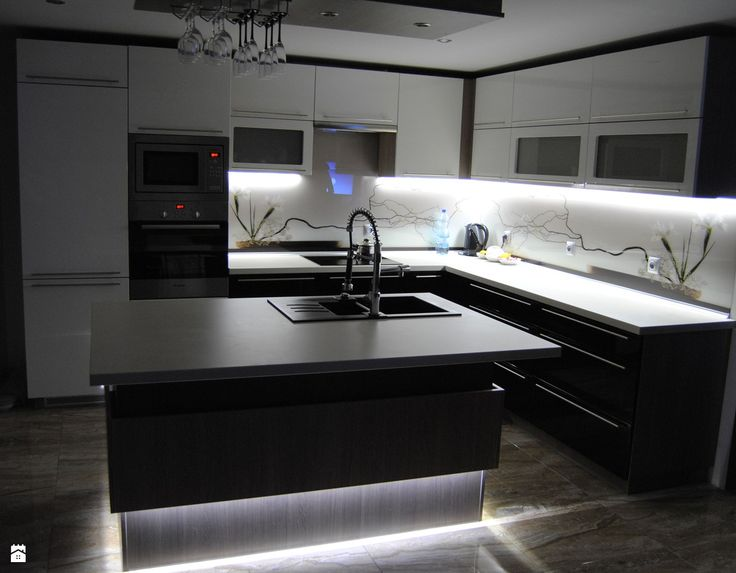 kuchnia z wyspą - zdjęcie od Enc Interior-Designe - Kuchnia - Styl Nowoczesny - Enc Interior-Designe