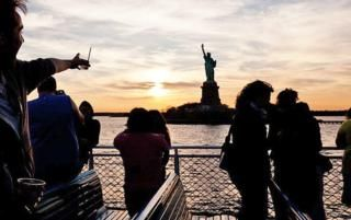 Summer in New York is amazing if you know where to go for the best deals on shows, tours and other happenings around this city that never sleeps!  Let RebateBlast act as your summer guide to the Big Apple so your vacation time turns into an unbelievable experience with extra cash back savings!