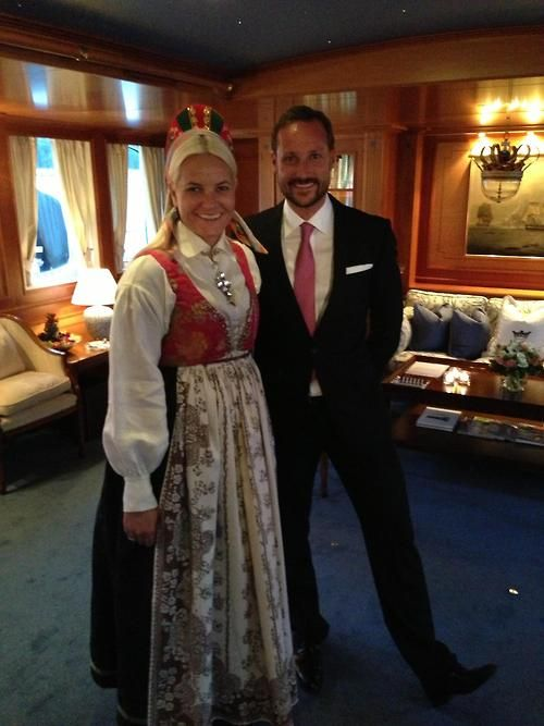 The  Crown Princess wears a Vest-Agder bunad (national traditional costume of Norway) in honor of the Royal Couple's ongoing tour.