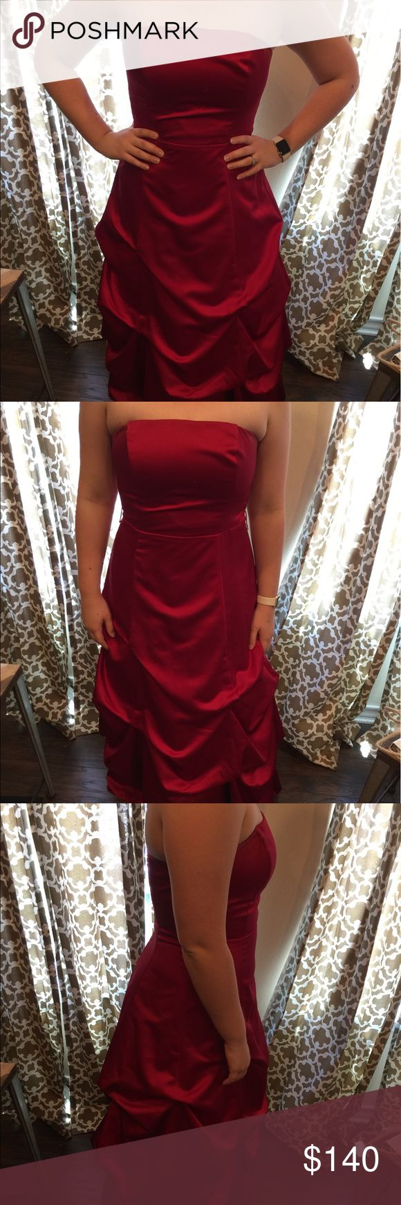 ☄️RED HOT SALE☄️David's Bridal Bridesmaid Dress Long Apple Red Strapless Bridesmaid dress from Davids Bridal. Only worn once! Great Condition! Style:81123 David's Bridal Dresses Wedding