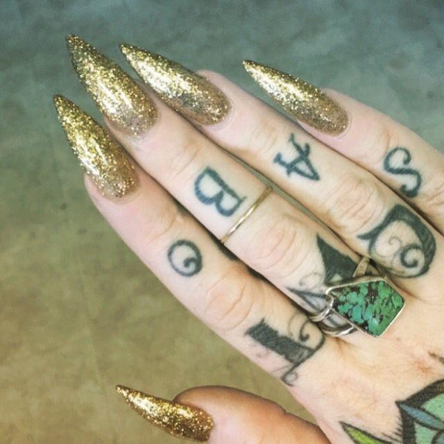 Gold glitter stiletto nails ✨