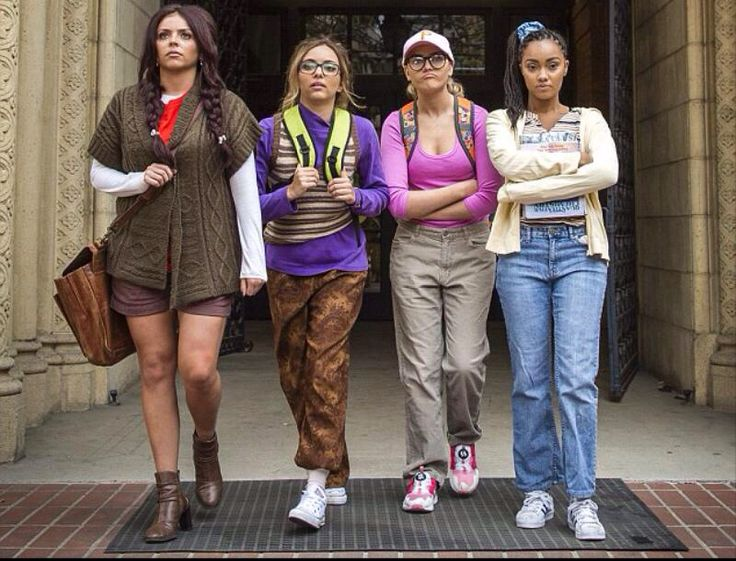 LM black Magic  Very 90's in their music video Black Magic. The revival of the 90's.