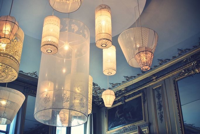lace lamps / jeanne notari: Lamps Shades, Lights Design, Old Frames, Lace Lamps, Design Tips, Great Ideas, Modern Lights, Interiors Lights, Girls Rooms
