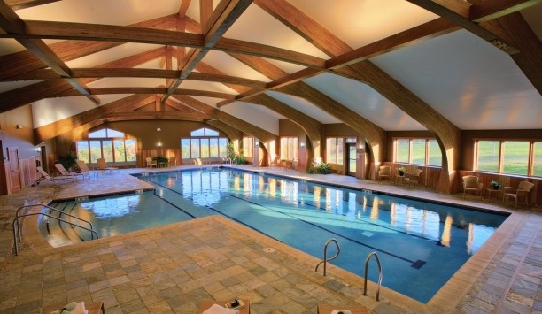 1000 images about dream lakehouse on pinterest lakes - Log cabins with indoor swimming pools ...