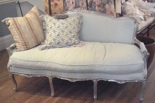 1000 images about french country shabby chic cottage style sofas on pinterest country. Black Bedroom Furniture Sets. Home Design Ideas