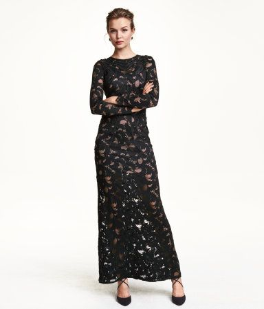 Elegant long-sleeved maxi dress in black lace with low-cut back, contrasting nude lining & decorative, attached ribbon trim. | Party in H&M