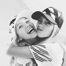 Their so pretty. I'm jealous. #twingoals