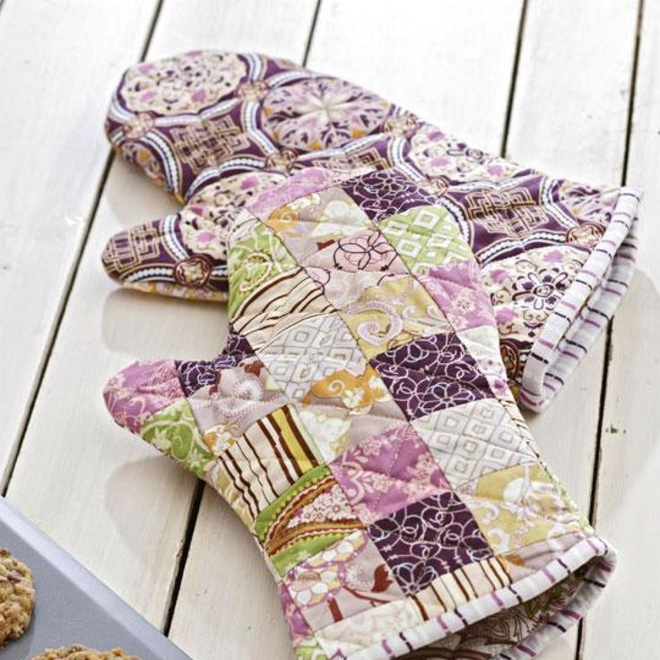 Sew scrumptious gifts for friends and family who love to spend time in their  kitchen. From practical gifts to cute kitchen accessories, these projects are  quick and easy to whip up!