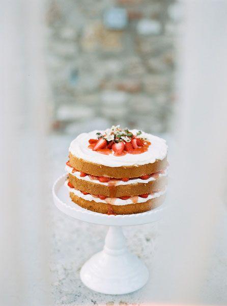 Strawberry Naked Cake. Silvia Fischer. Echte Kuchenliebe. Bakery. Linz, Austria. Weddingcakes.