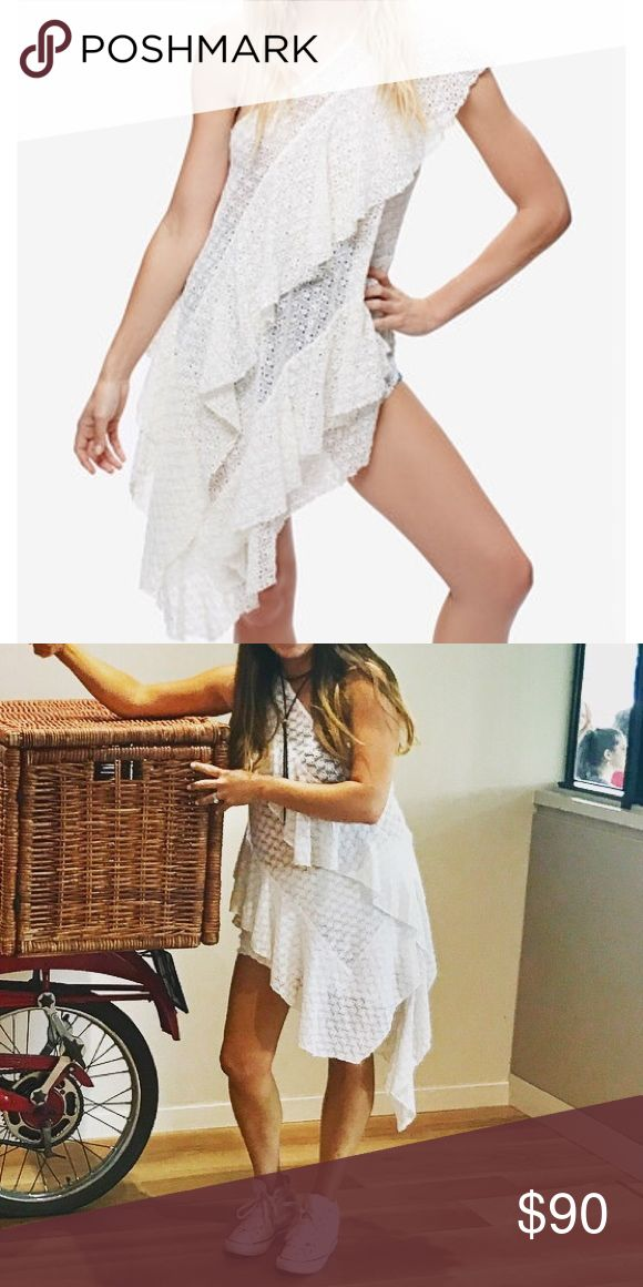 Free people Girls flounce eyelet white tunic dress Gently used. Runs slightly big. Free People Dresses Asymmetrical