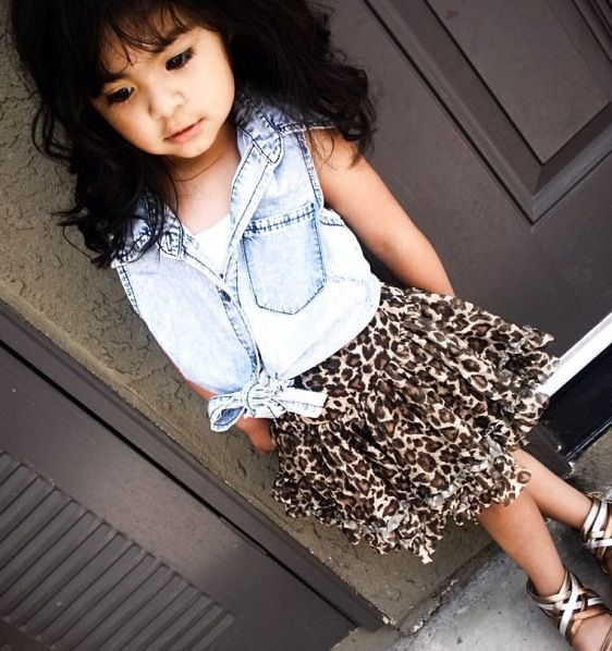This beautiful girl got that pose on point. .too cute