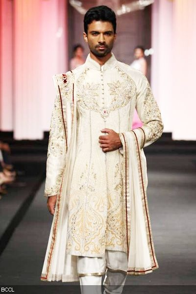 #Aamby Bridal Fashion Week 2012 | Anjalee and Arjun Kapoor