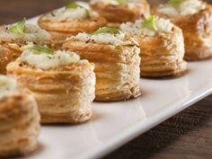 Plněné soudky s nivou a ořechy 1 listové těsto 100g sýru s modrou plísní (Niva)…