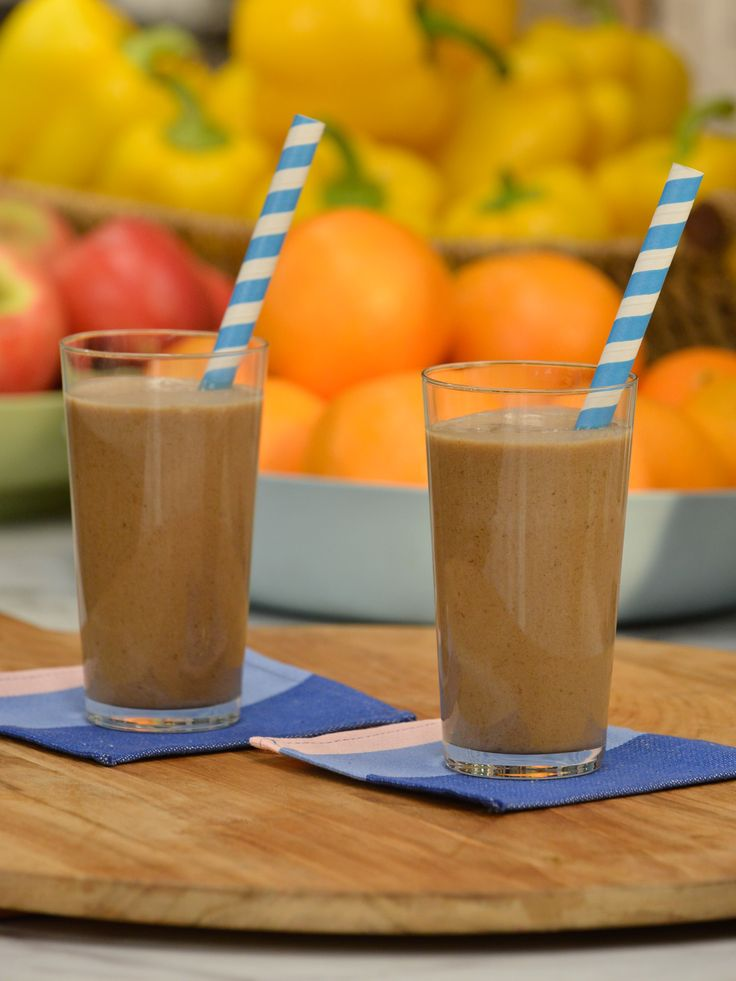 Complete Breakfast Smoothie recipe from Jeff Mauro via Food Network