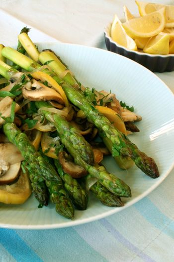 Roasted Lemon AsparagusAsparagus Poke, Side Dishes, Roasted Lemon, Cooking Time, Lemon Asparagus, Stores Years Round, Skinny Chefs, Pencil Thin Asparagus, Grocery Stores