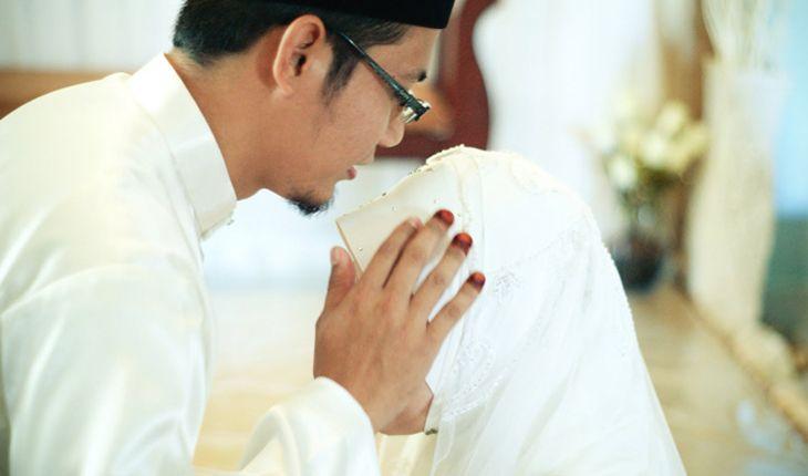 Istri saya mengakui bahwa dia pernah berzina sebelum nikah, apa yg saya harus lakukan ustad?