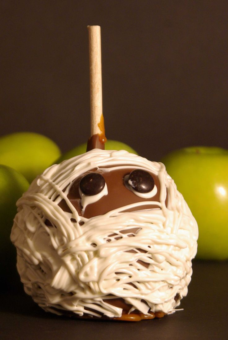 Mummy Chocolate Caramel Apples