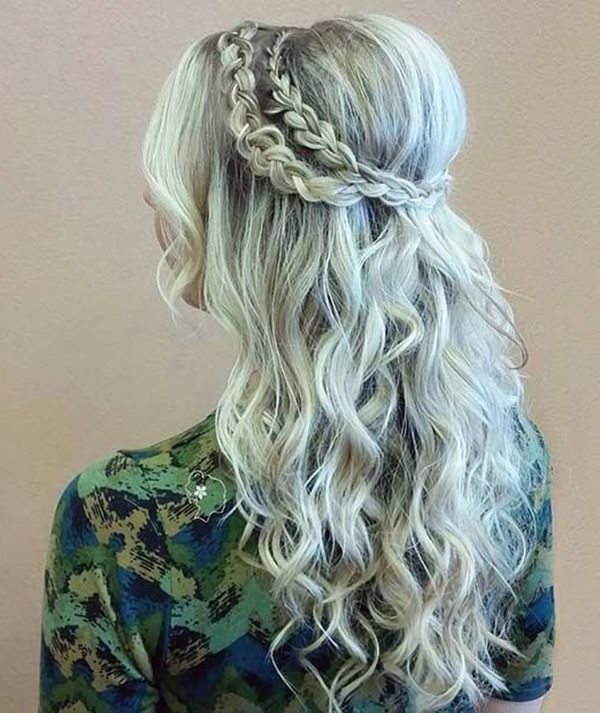 40 Homecoming Hairstyles For Long Hairstyles In 2019 Homecoming Despite The Fact That It Is A Less Formal Oc Homecoming Hairstyles Hair Styles Bridesmaid Hair