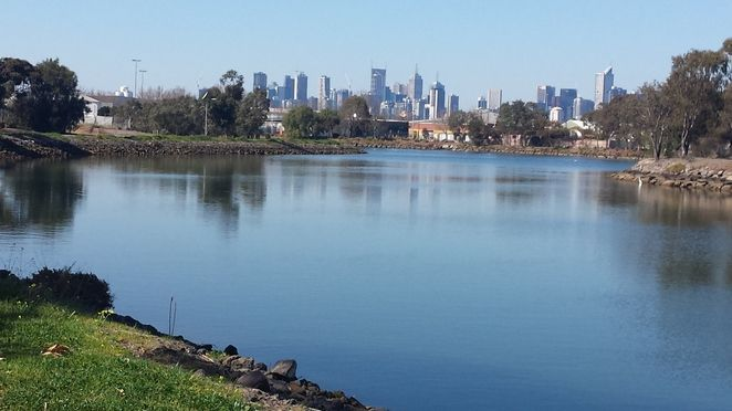 maribyrnong river banks melbourne city view footscray