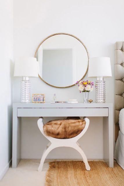 De toilettafel van Ikea (Malm) heeft een plekje in mijn hart veroverd: ik zit al een poosje te denken aan een kleine home office en dat zou hem wel eens kunnen worden. Ik wil namelijk een plekje dat nu niet gebruikt wordt in mijn appartement omtoveren tot mini-office voor de dagen dat ik van thuis…