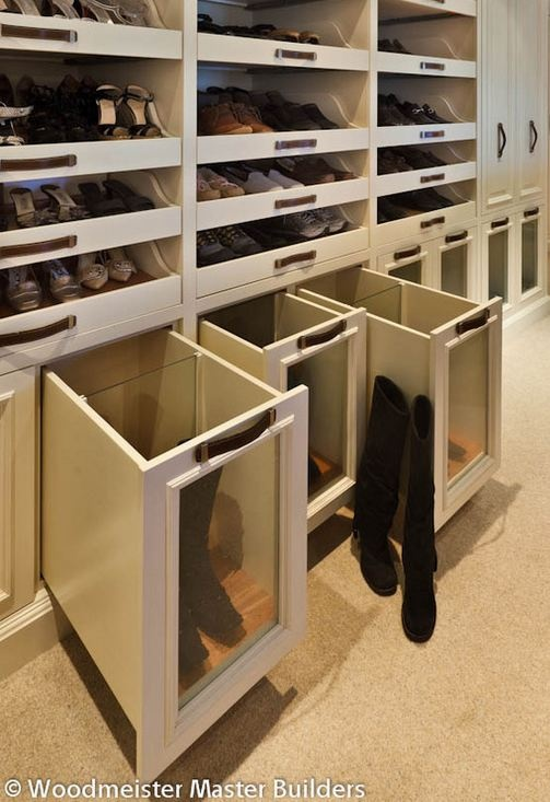 Boot drawers and pull-out shoe shelves