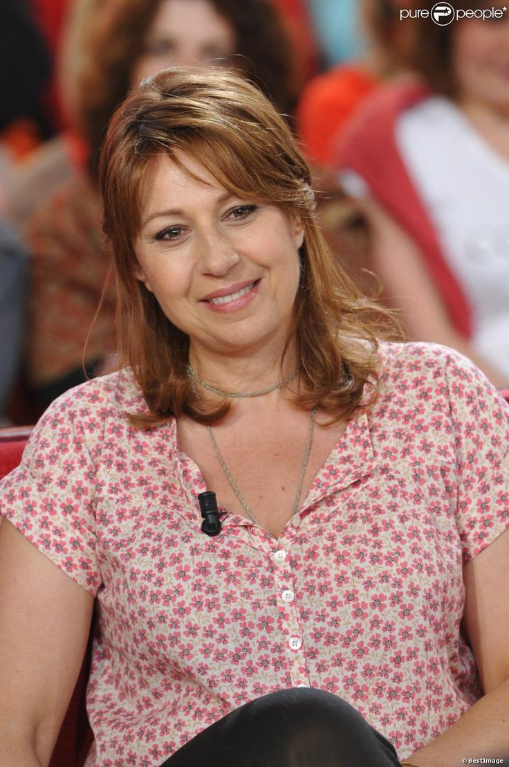 Valérie Benguigui lors de l'émission Vivement dimanche (20 mars 2013)...
