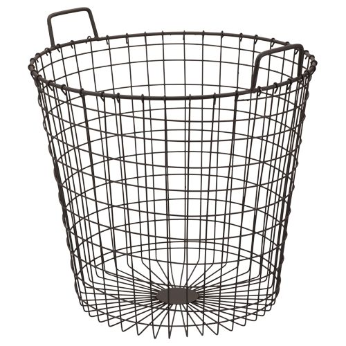 So cheap and chic this metal basket at Action, euro 7,99 ( 45x45cm)