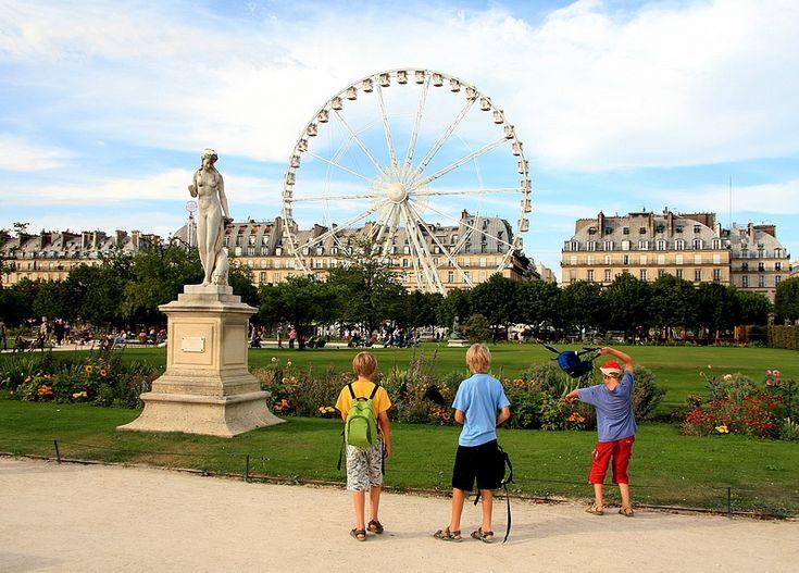 Pin by marina s on travel paris pinterest for Jardins tuileries paris france