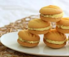 Martha's Melting Moments    Biscuit  80 g sugar   250 g butter, softened   1 tsp vanilla extract   220 g plain flour   80 g cornflour   Filling  zest and juice 1 lemon (see General Tip)   120 g sugar   60 g butter, softened