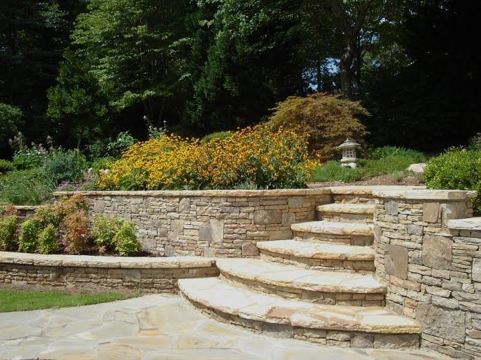 Like the way the steps get wider as you go down. Not crazy about this stone, but like the design.
