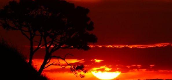 Pôr do sol do dia 29 de junho maravilhoso em São Thomé das Letras.-por Pousada Arco-Íris