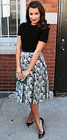 Leah Michele. 50's lady ensemble which I just love with a classic black pump <3<3