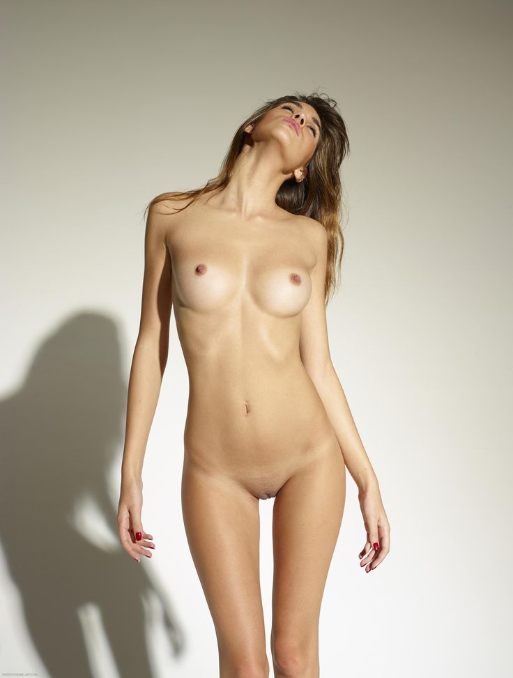 perfect young teamfemale body naked