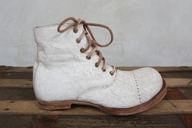 Handmade Bojangles Boots in Chalk Leather - Magnolia Pearl