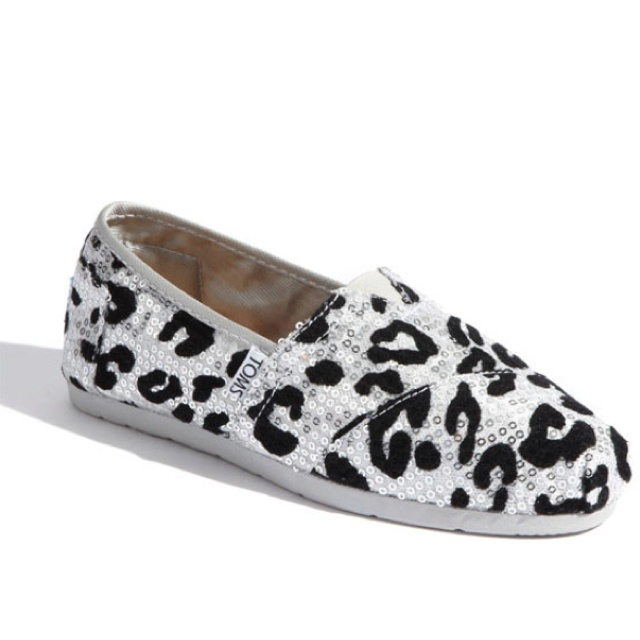 Sequin leopard toms :)