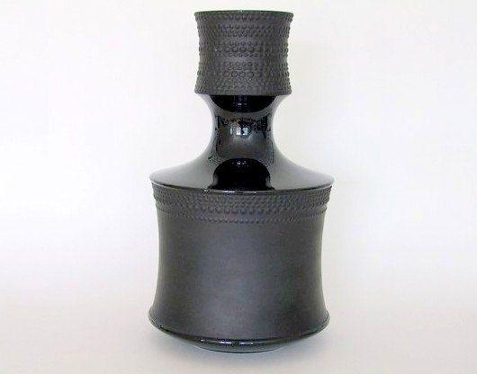 Tapio Wirkkala signed Rosenthal Studio Line black bisque porcelain noire vase (2 available) Mid Century Modernist Scandinavian Nordic design