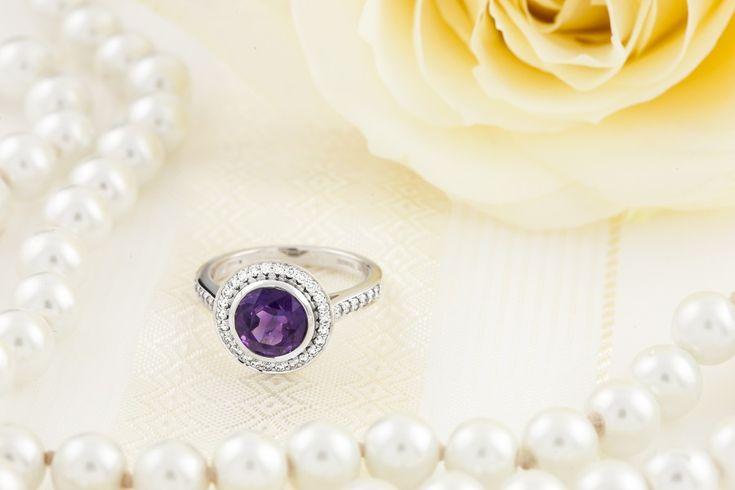 Inel Dama Aur Alb 18kt cu Ametist si Diamante, Stil Halo Model.#: RDAM768W