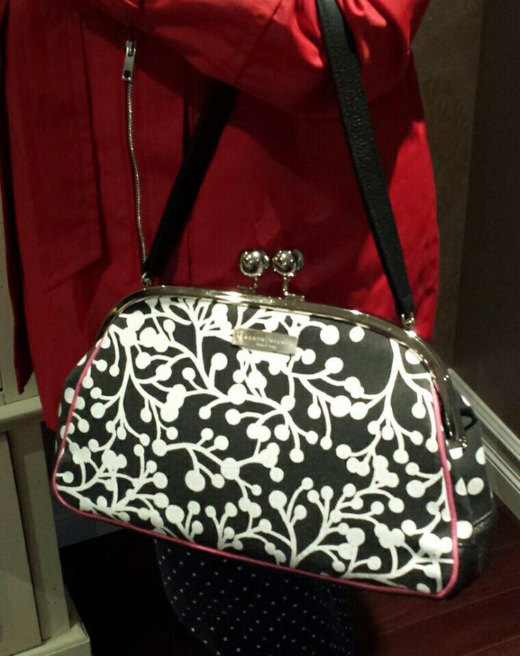 Love my adorable Karen Wilson handbag! #black&white